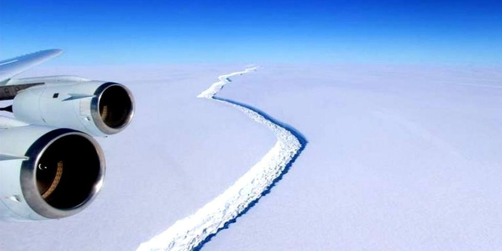 New Crack Found in Larsen C Ice Shelf, Could Accelerate Massive Breakoff