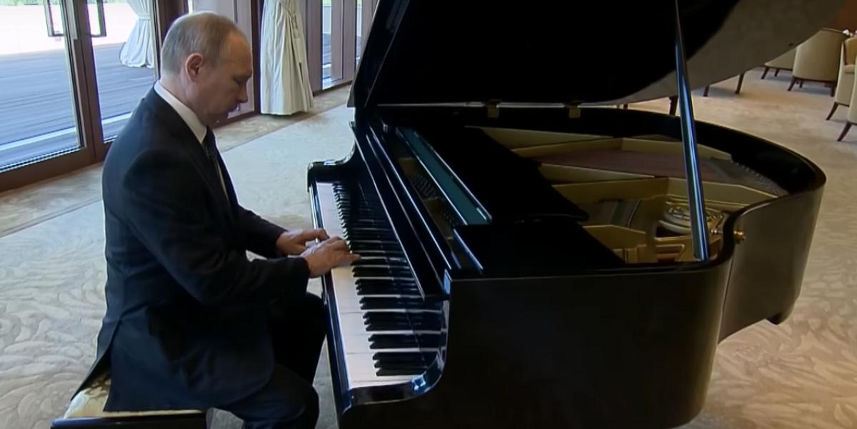 Watch Putin Play The Piano, Troll The World