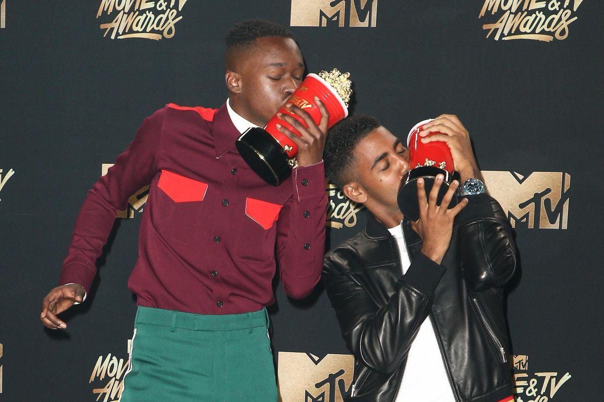 Moonlight's Ashton Sanders and Jharrel Jerome Took Home the MTV Movie Award for 'Best Kiss'