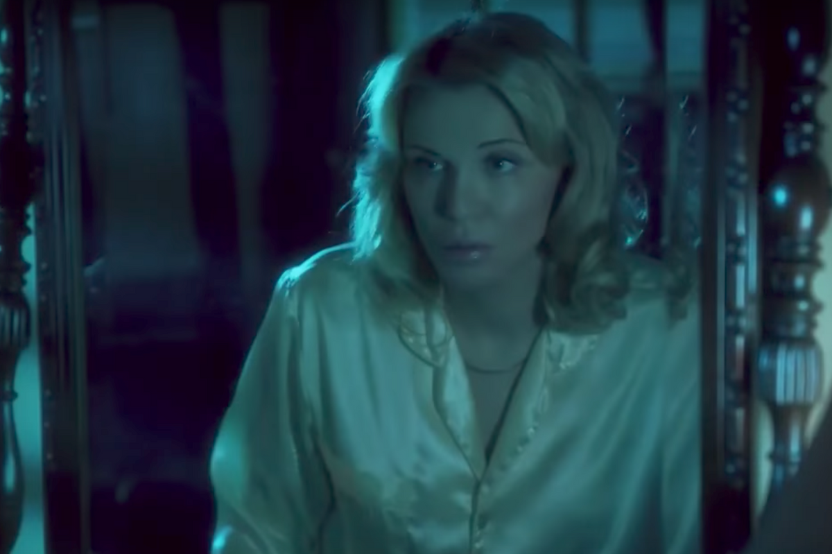 Watch Courtney Love Embrace a Tragic Beverly Hills Fantasia In Menendez Brothers Lifetime Movie