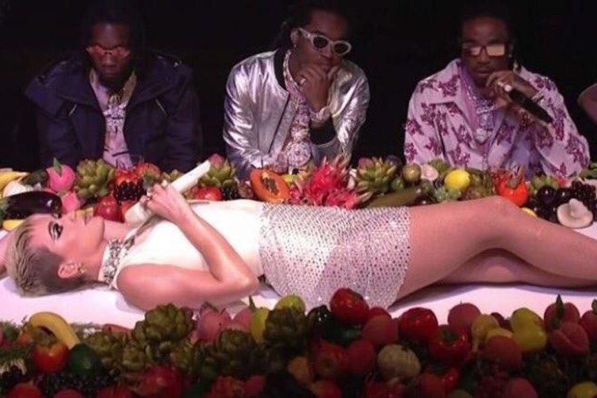 Everyone Has an Opinion About Katy Perry's Awkward SNL Dance