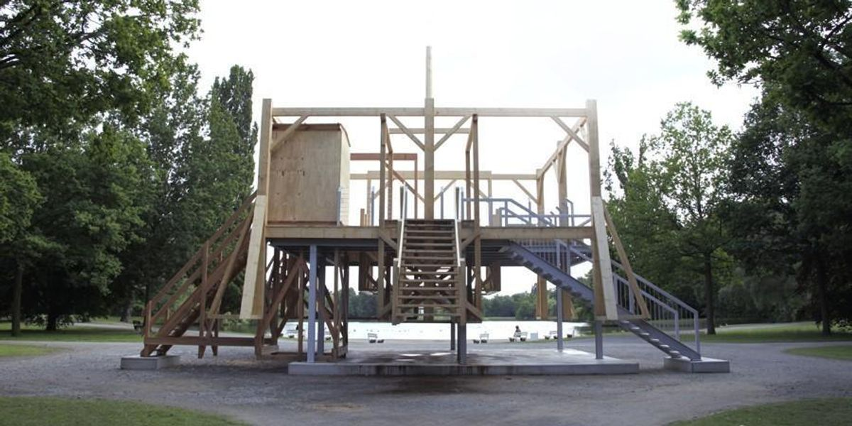 """Traumatizing"" Gallows Sculpture By White Artist Angers Native American Dakota Community"
