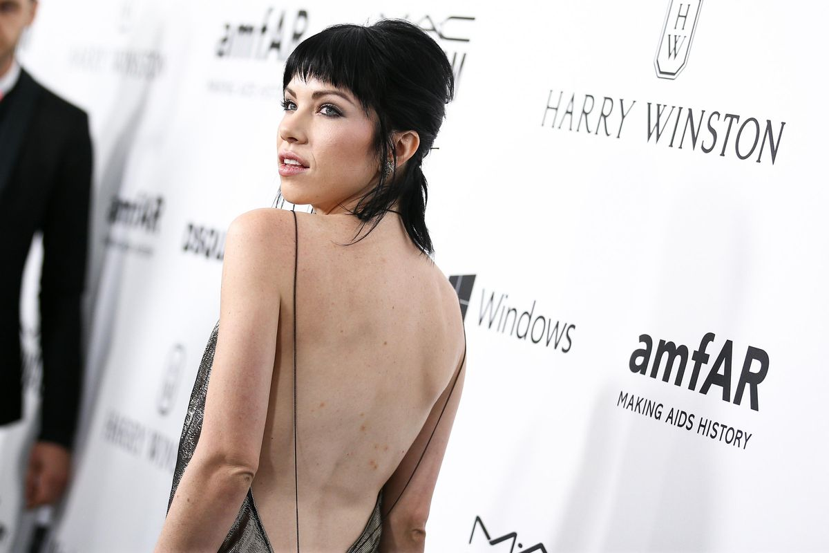 """Carly Rae Jepsen Wants You to """"Cut to the Feeling"""" in Soaring New Single"""
