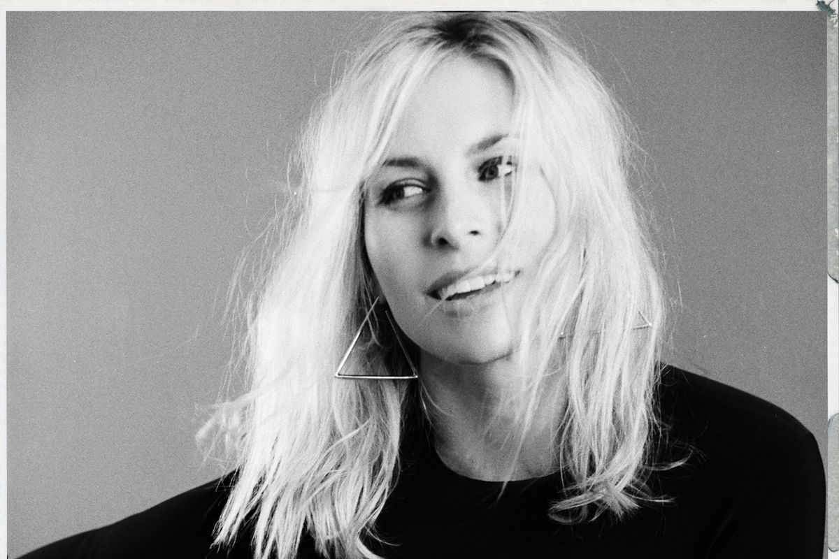 '90s Icon Niki Taylor Steps Back in Front of the Camera