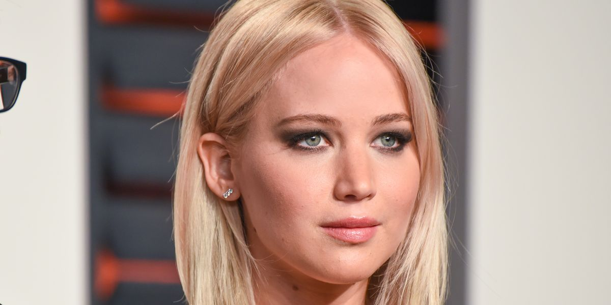 Despite Both Engines in Her Private Jet Failing, Jennifer Lawrence Landed Safely in New York