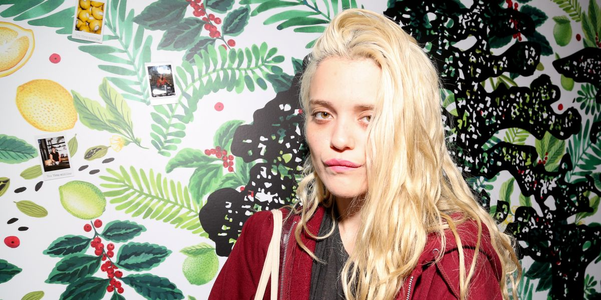 Sky Ferreira Is Back With a Moody Cover of 'Easy' by The Commodores