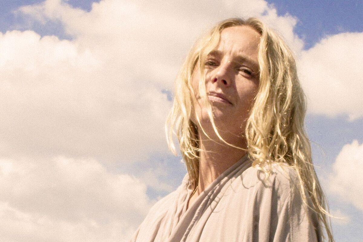 """Premiere: Get Back to Nature With Lissie's Ethereal New """"Boyfriend"""" Video"""