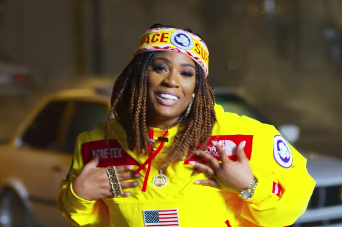 "Kamaiyah Pays Homage To TLC In 90s-Tastic Video For ""Build You Up"""