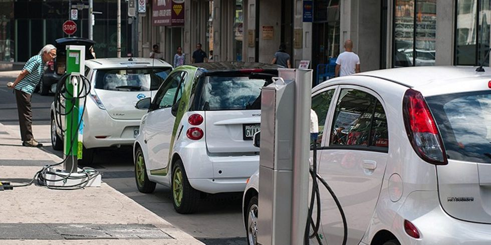 Bad News for Big Oil: Electric Vehicle Sales to Surpass Gas Guzzlers by 2038