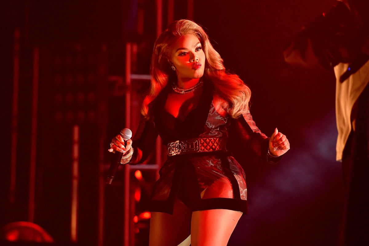 Lil Kim is Shooting a Secret Project, Stifle Your Screams