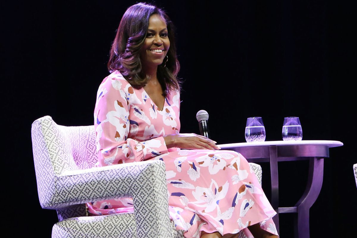 """Michelle Obama Says She Still Faces Racism, But Encourages Women to """"Own Their Scars"""""""