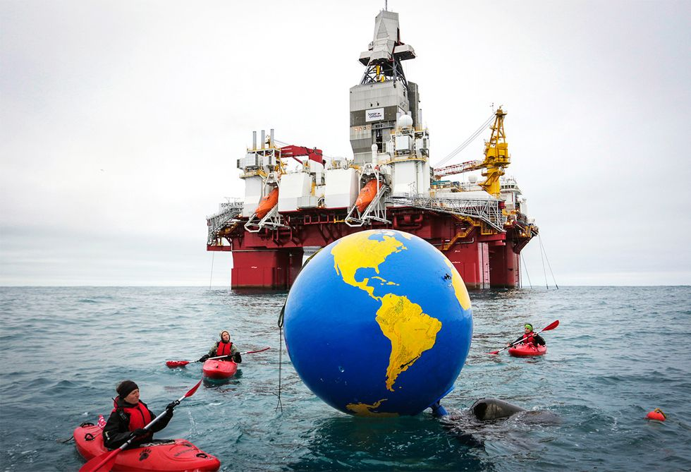 Greenpeace Activists Interrupt Operations at Arctic Oil Drilling Site