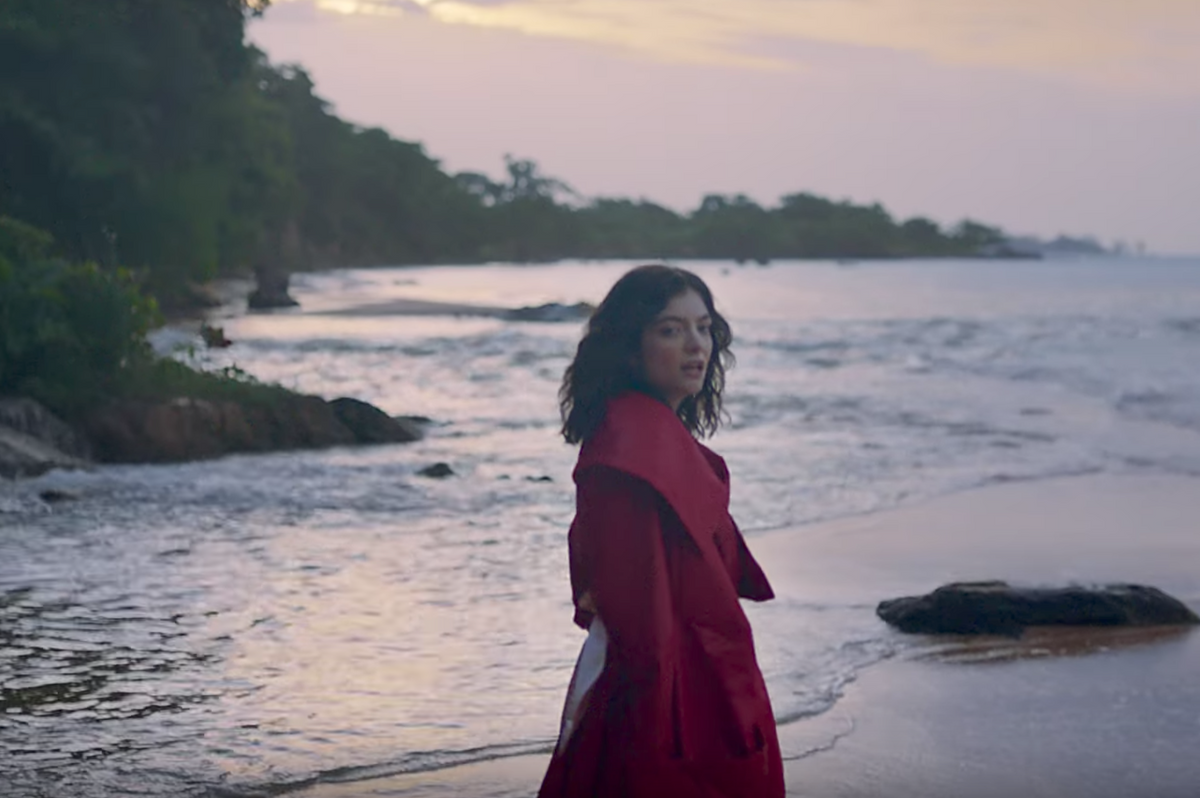 "Lorde Is A Couture Castaway In Her ""Perfect Places"" Music Video"