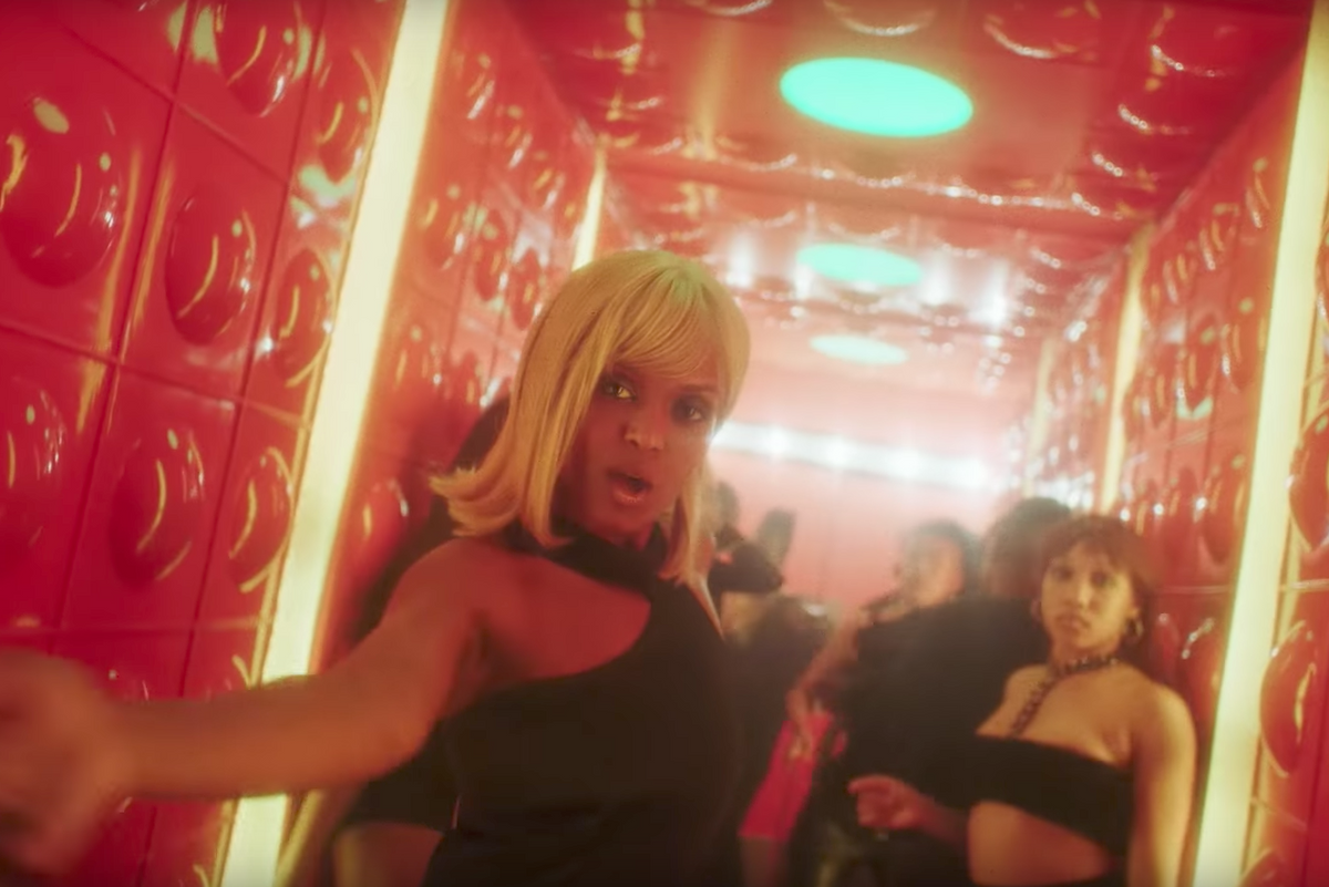 Kelela Goes Through a Few Different Wigs in New Video for 'LMK'