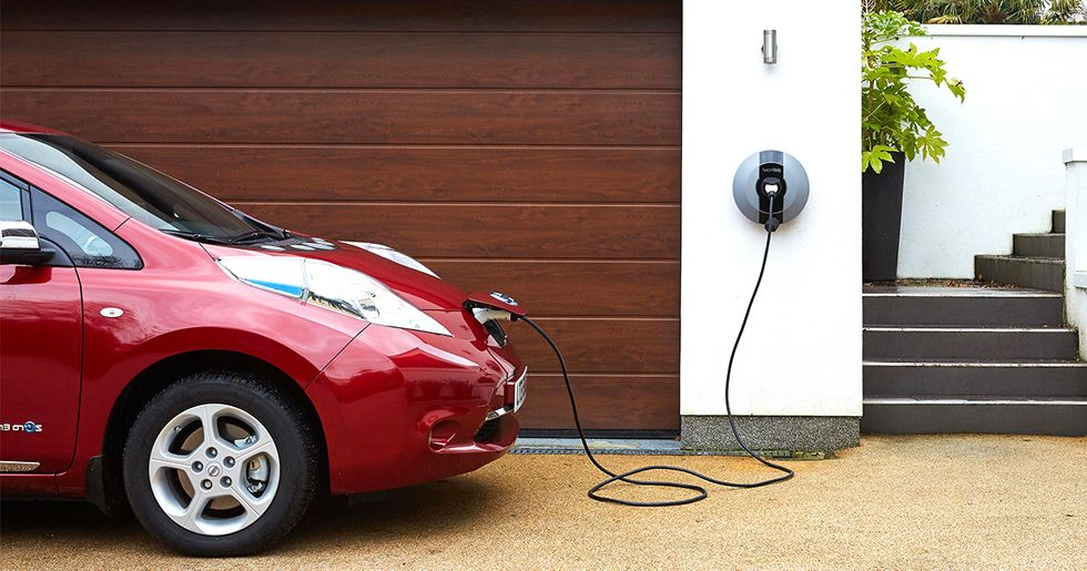 Factcheck: Misleading Headlines About Electric Car Charging While Boiling the Kettle