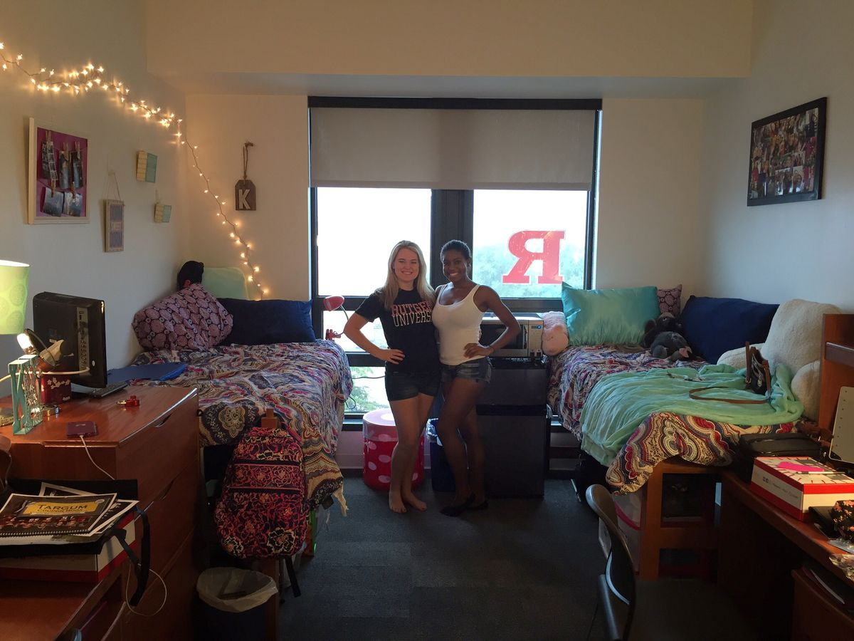 10 Dorm Items Freshmen Either Pack Now Or Buy On Amazon Later