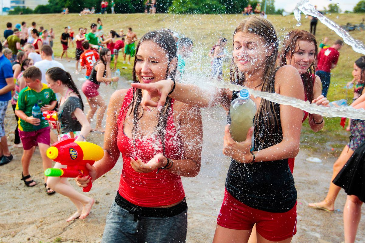 25 Inexpensive Summer Activities For Everyone