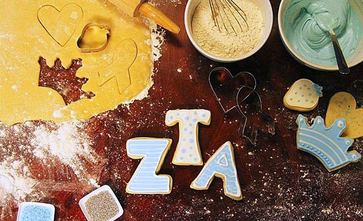 10 Holiday Gift Ideas For The ZTA In Your Life