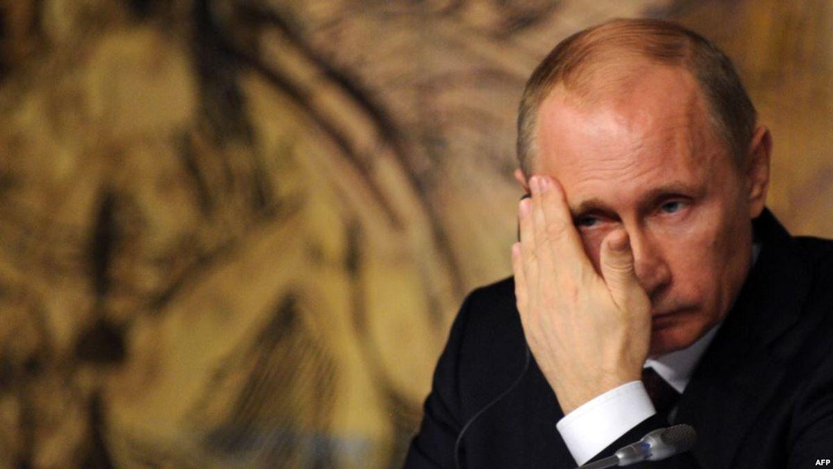 Putin: The World's Weakest Strongman
