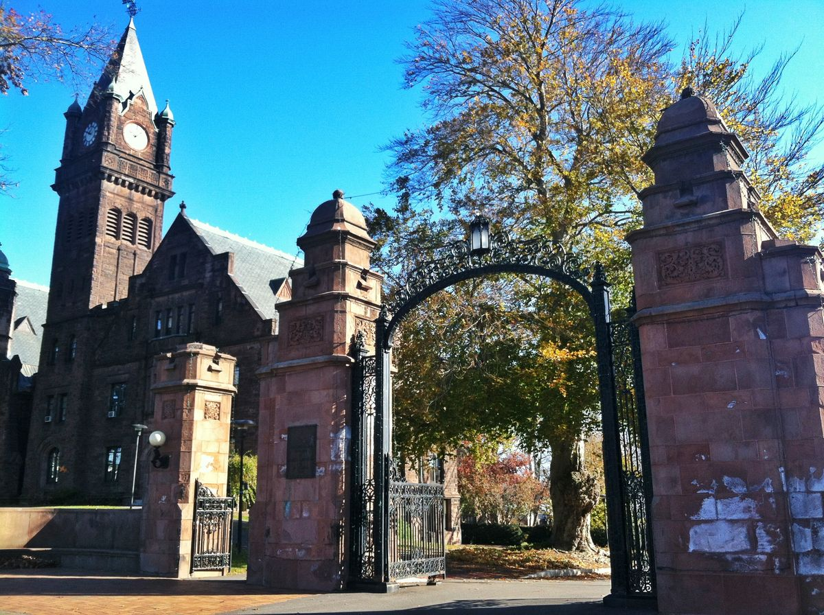 Mount Holyoke's Top 5 Ghost Stories
