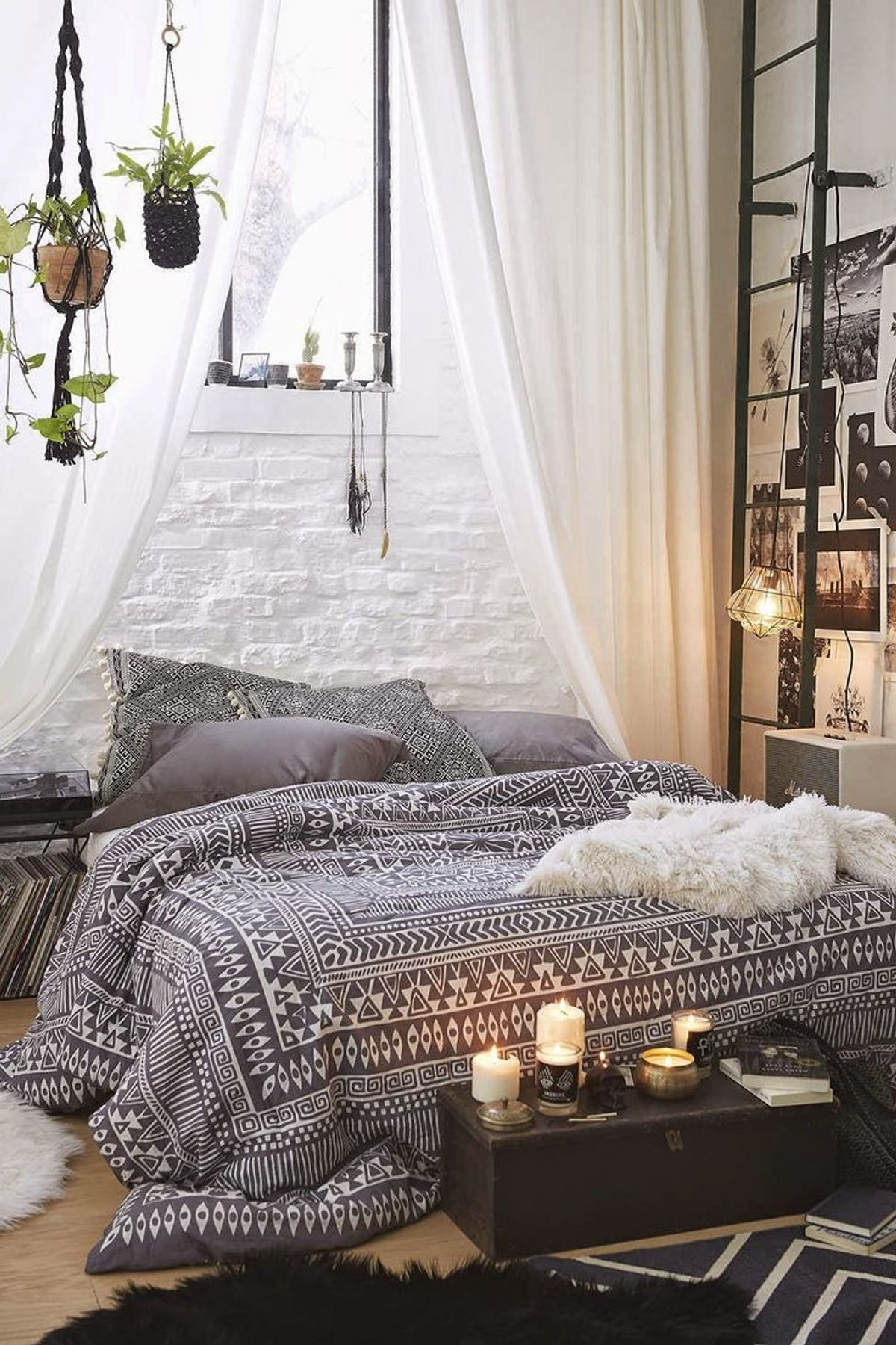 The Boho Girl's Guide To Apartment Shopping