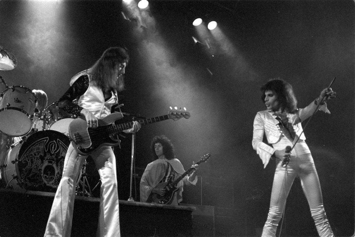 Music Mondaze: The Best Live Performances of Freddie Mercury And Queen