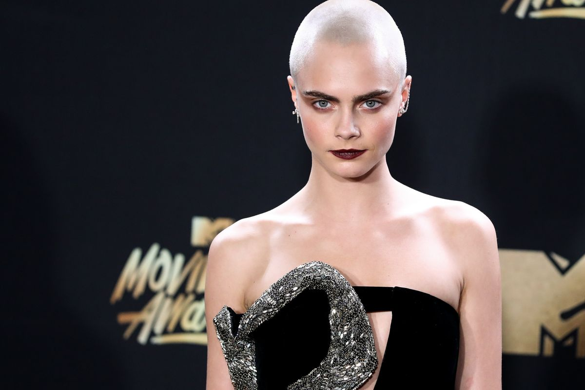 """Cara Delevingne Cast in New Amazon Series """"Carnival Row"""" with Orlando Bloom"""