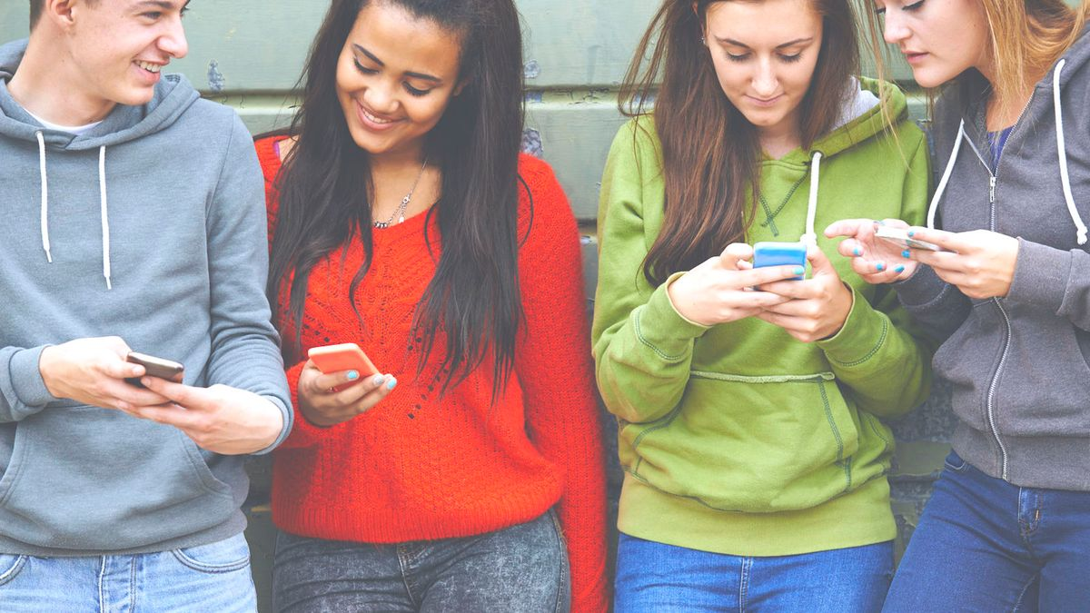 40 Texts You Send To Your Group Chat On The Reg
