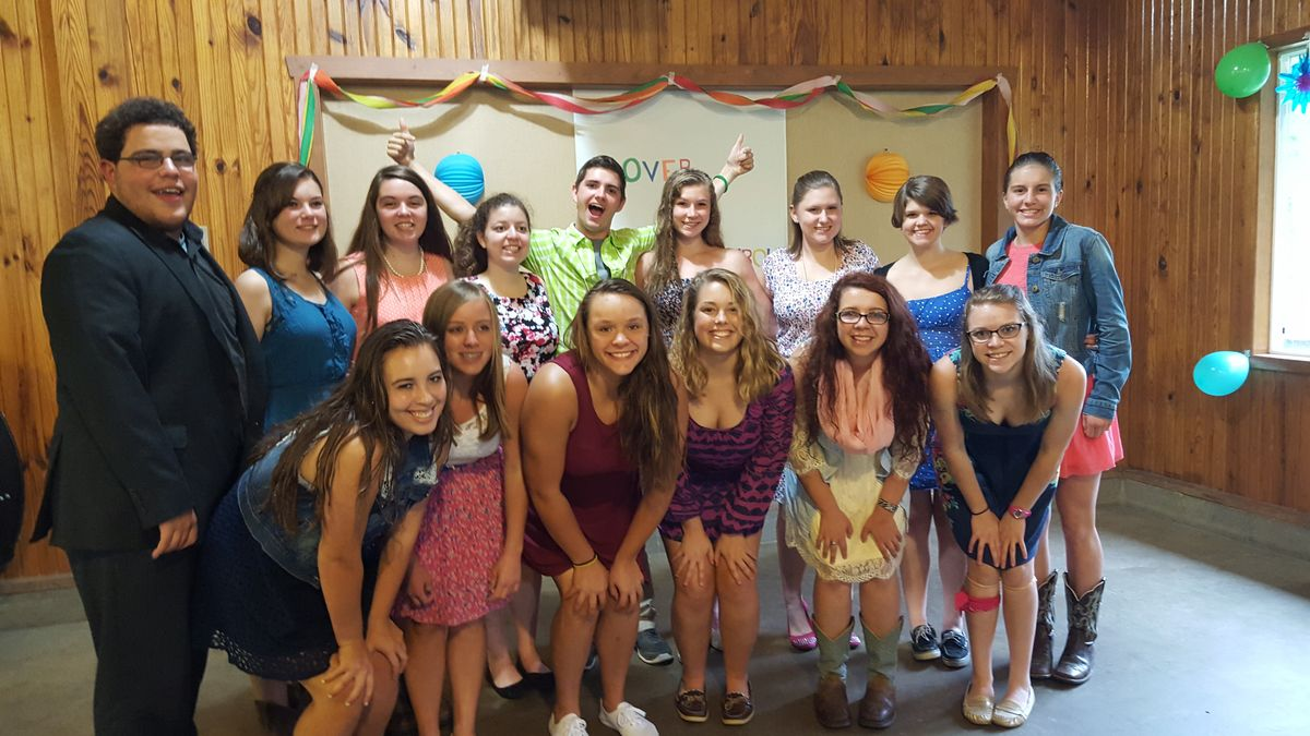 7 Reasons Why Camp Friends Are The Best Friends