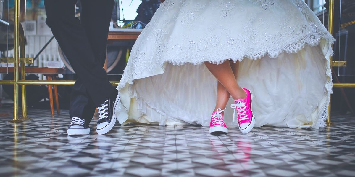 100 Songs All Millennials Will Dance To At Their Weddings