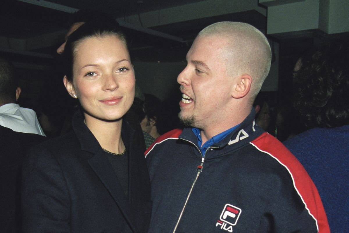 Alexander McQueen, Marc Jacobs, And Kate Moss Inspire New TV Series About '90s Fashion World