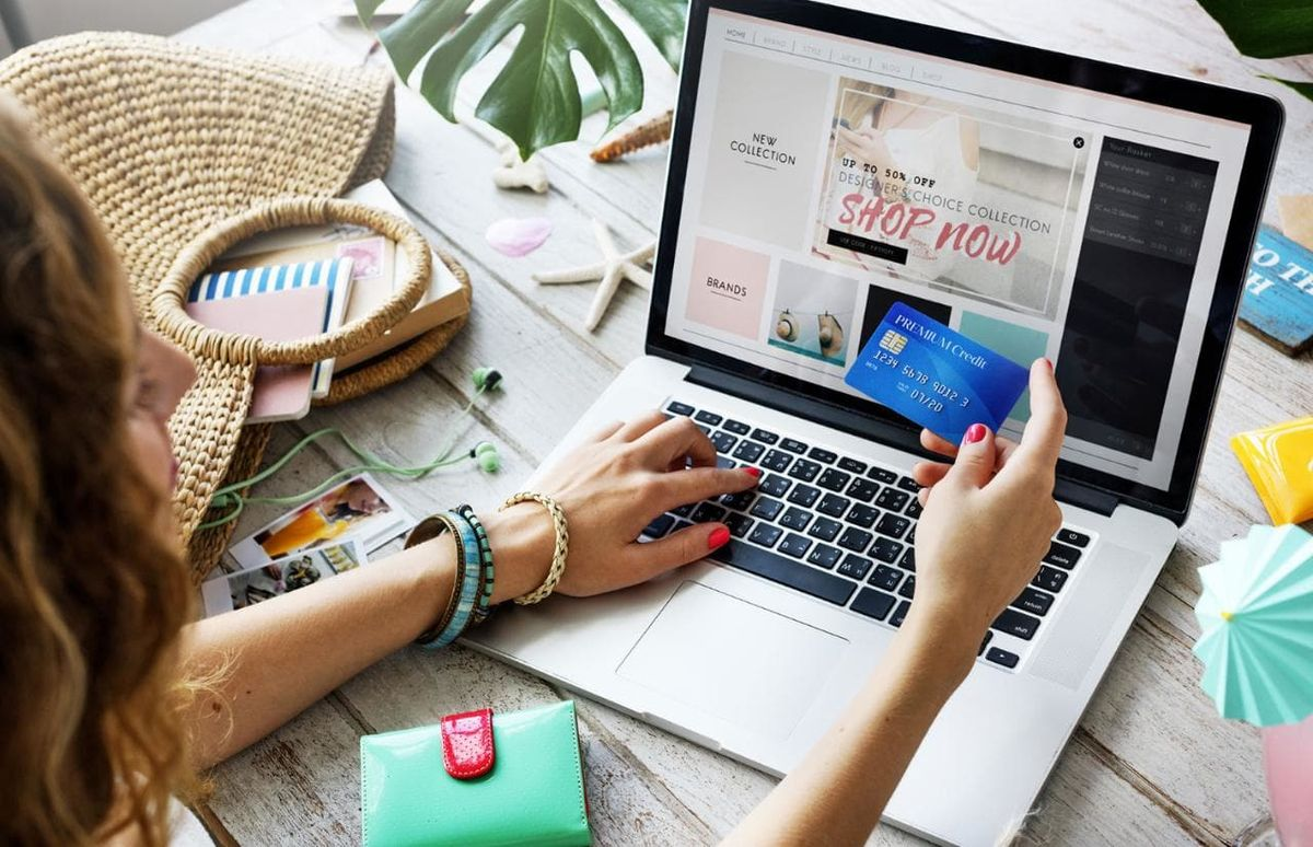 8 Reasons To Love Online Shopping