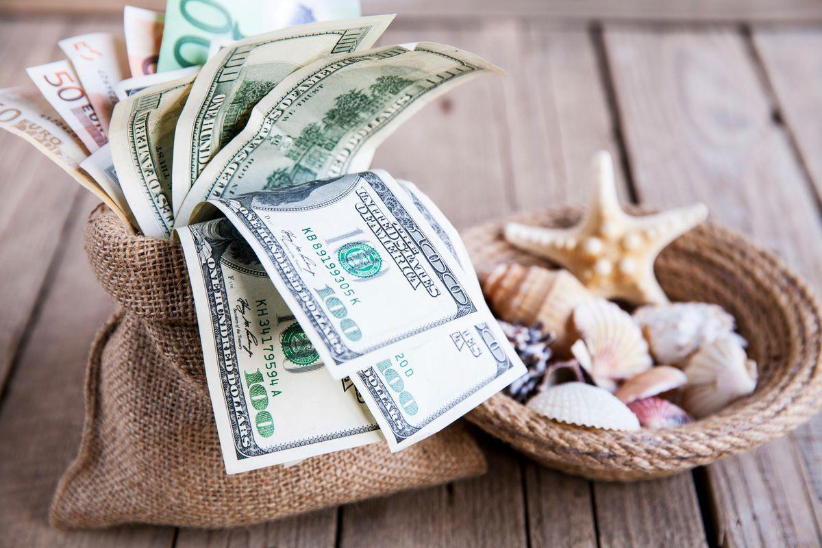 7 Quick Ways to Save Money This Summer