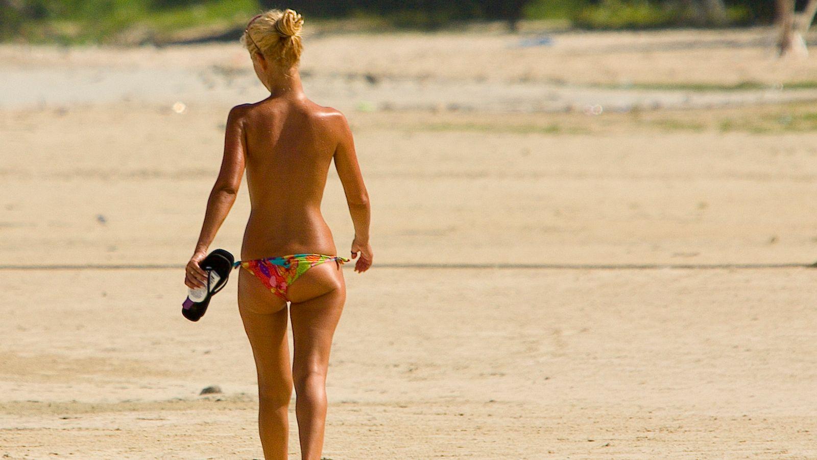 Girls Naked On Beaches