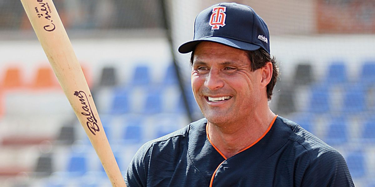 29 Insane Jose Canseco Tweets