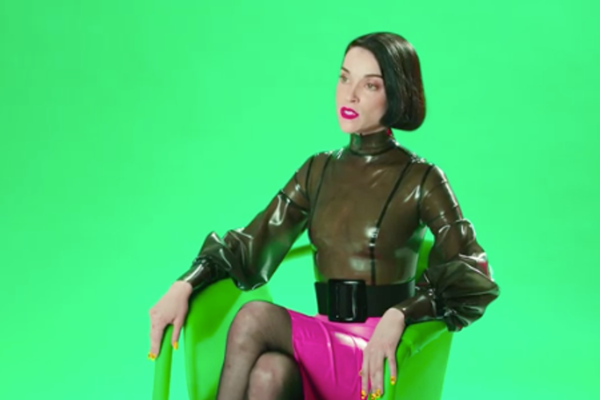 St. Vincent And Carrie Brownstein Teamed Up On A Comedy Series Mocking Awkward Press Interviews