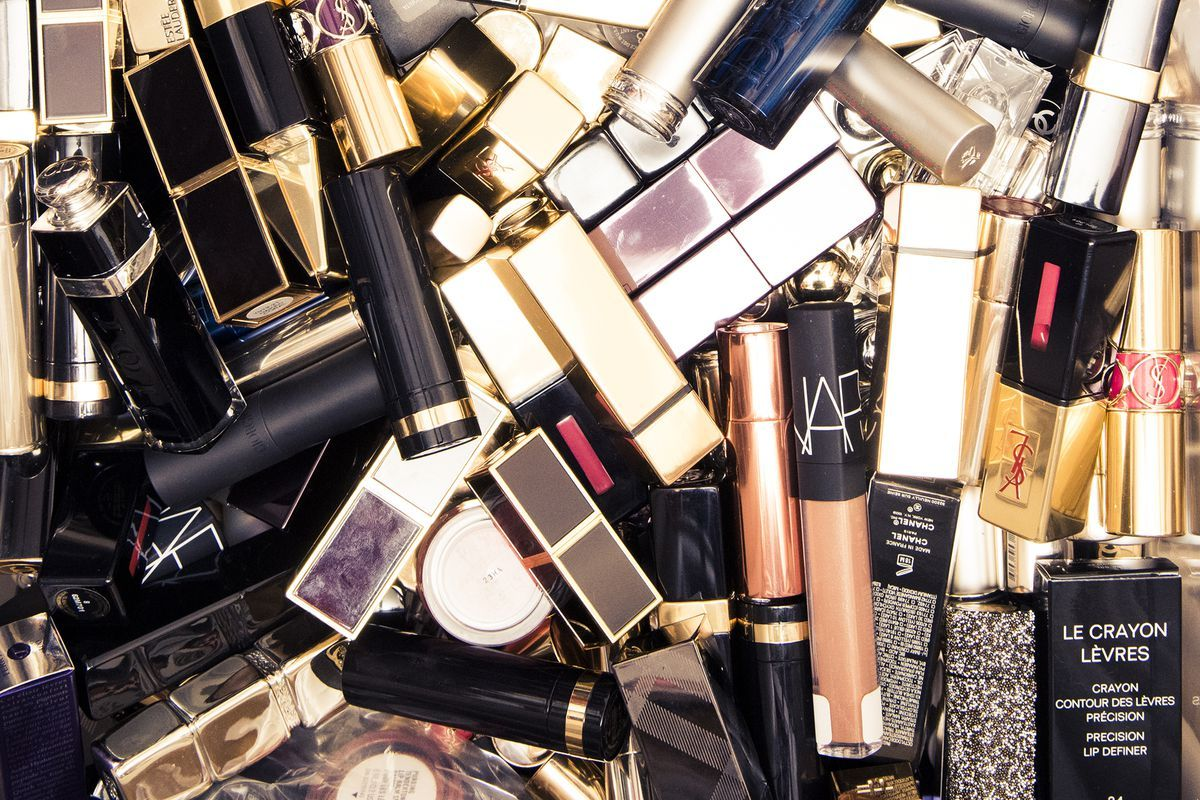19 Things Only Makeup Lovers Understand