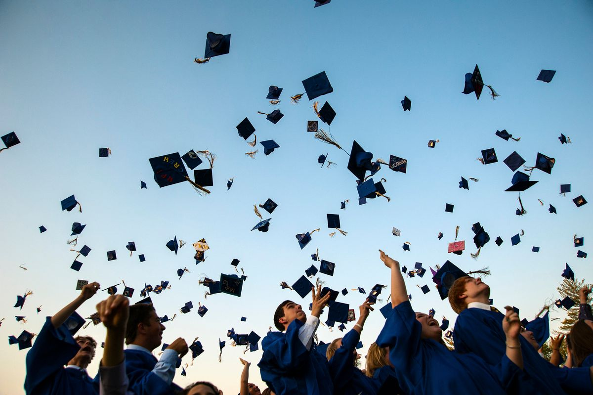 An Open Letter to Graduating Seniors From A College Freshman