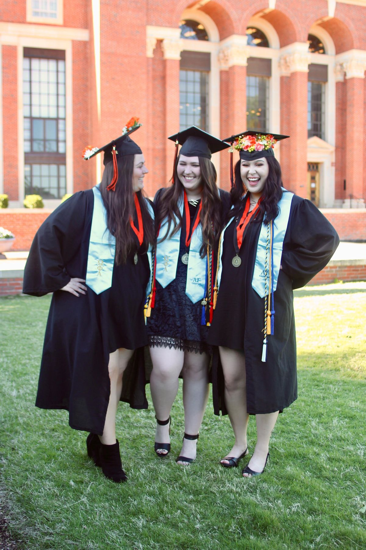 11 Reasons To Live With Your Best Friends In College