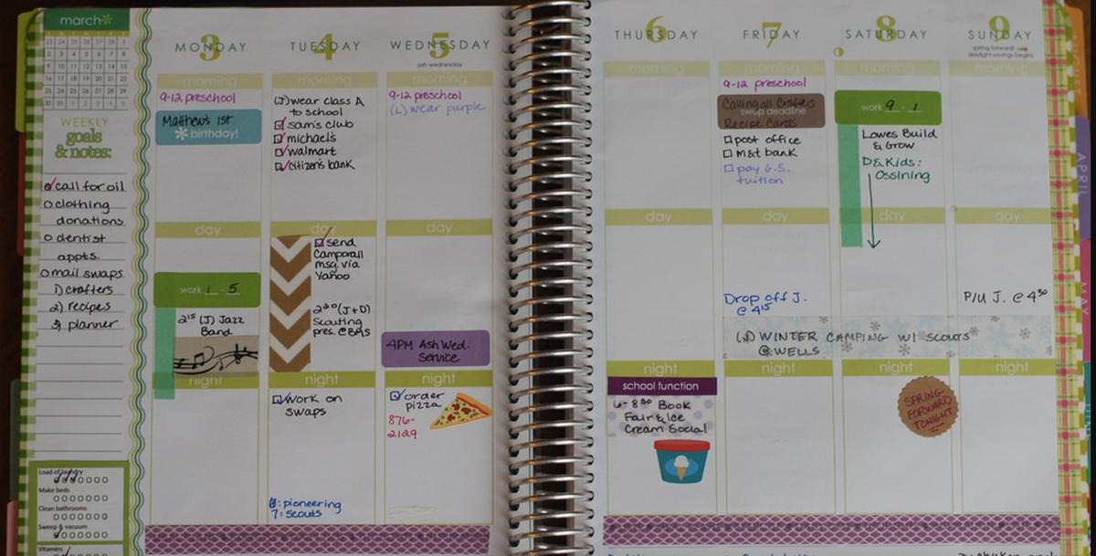 How To Organize Your Weekly Planners
