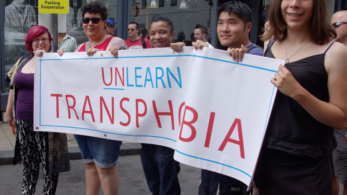 Yes, You Absolutely Need To Tell Someone You're Trans Before Dating