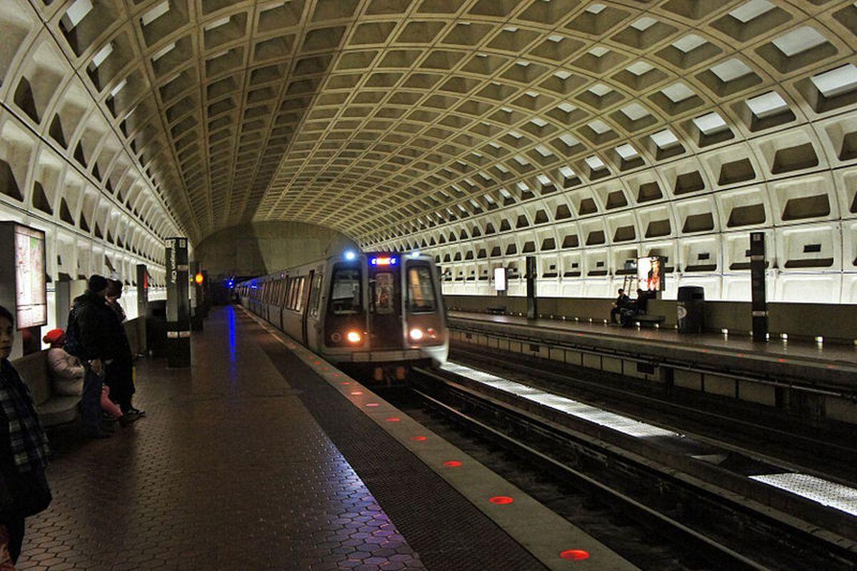 5 Ways To Survive The DC Metro