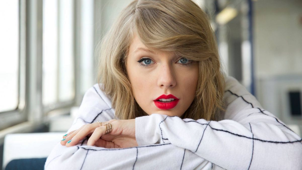 13 Sad Beautifully Tragic Songs By Old Taylor Swift Before She Died