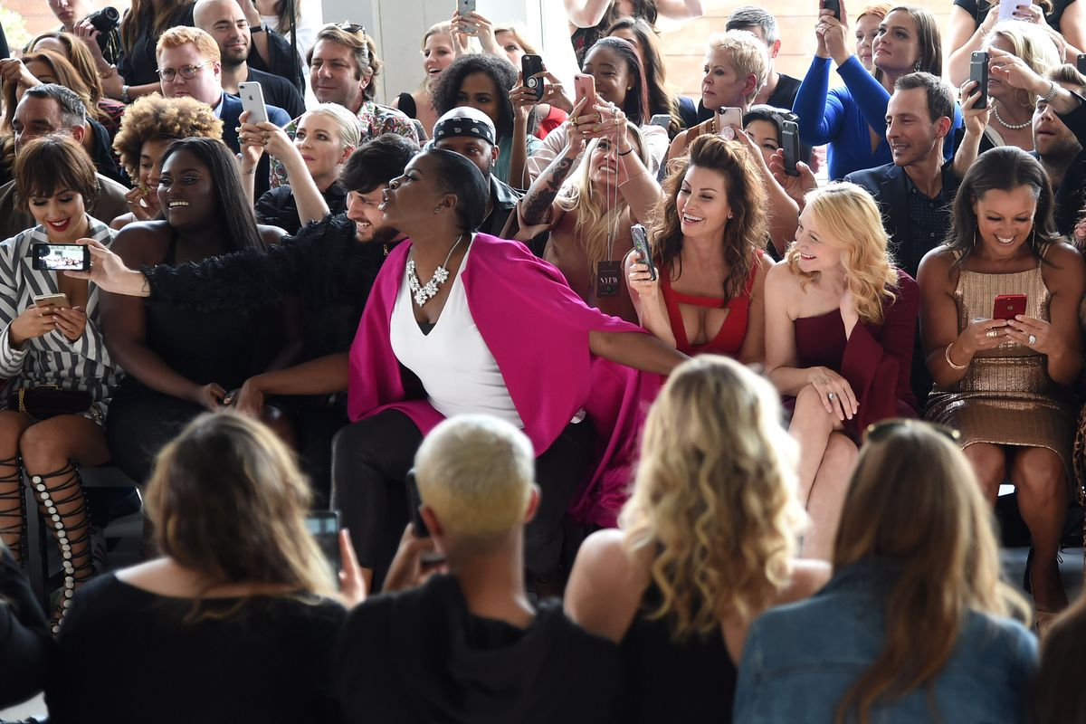 Leslie Jones Should Without Question Be Front Row at Every Fashion Show