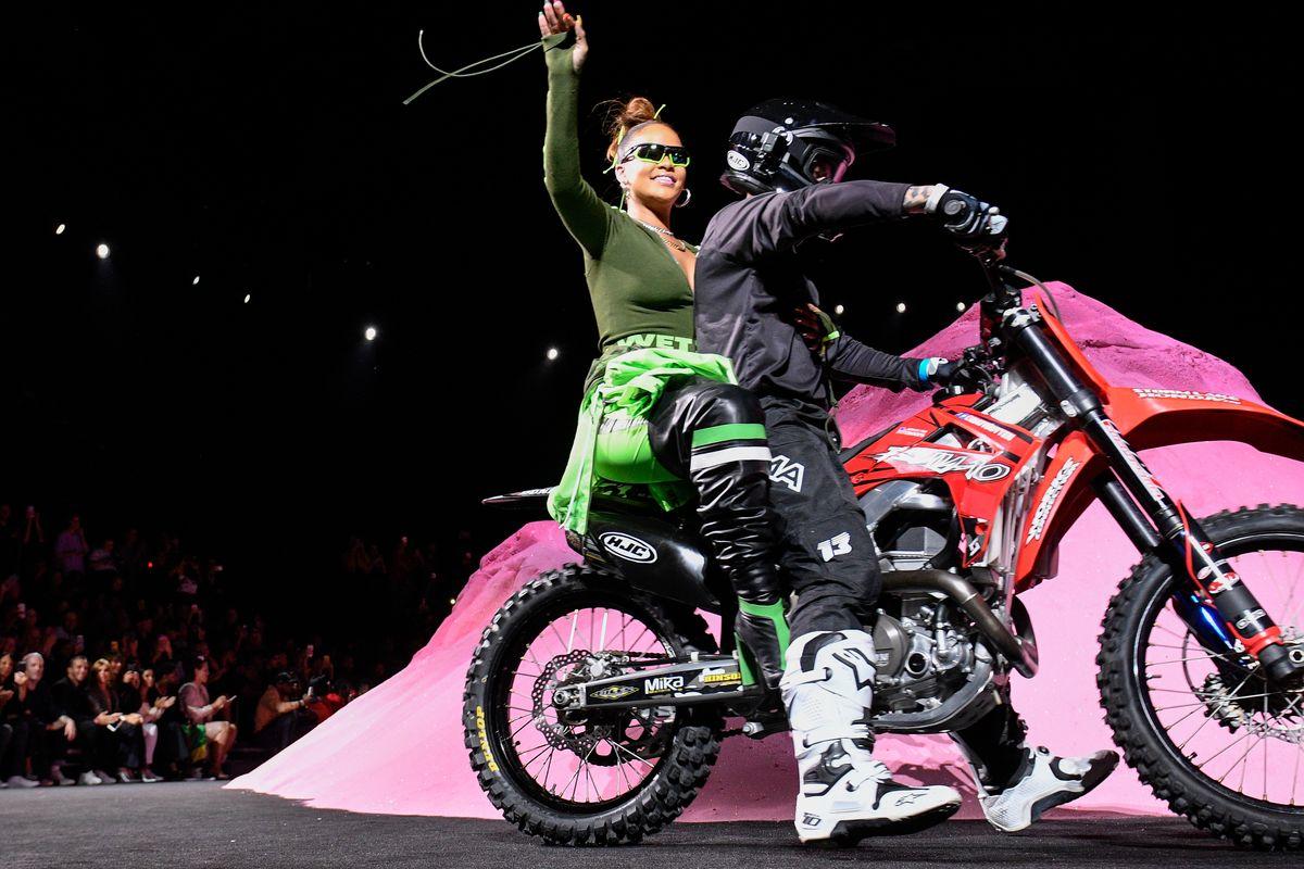 Rihanna Revved Her Engines For the SS18 Fenty x Puma Show