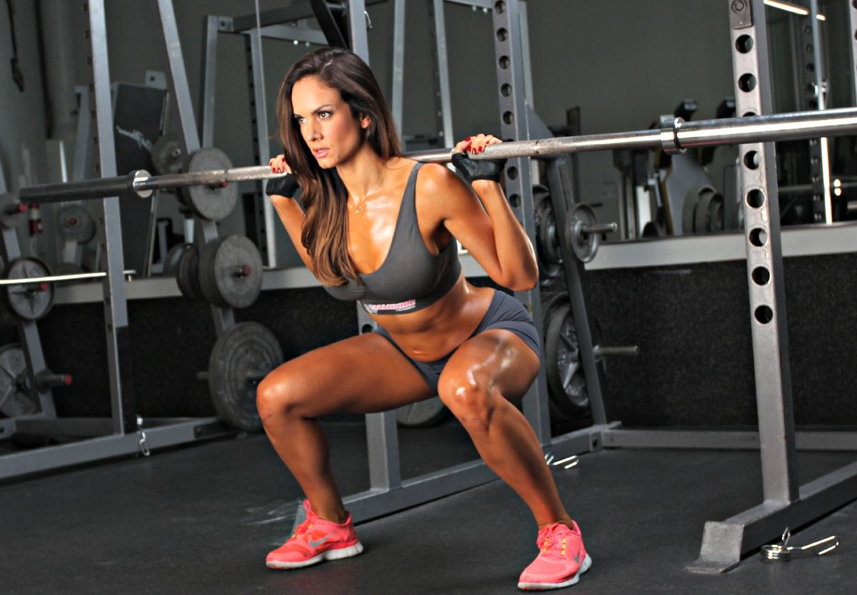 Full Leg & Glute Workout Video Just In Time For Shorts And Bikini Season!