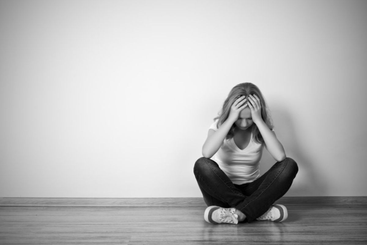 13 Signs Someone Might Be Suicidal