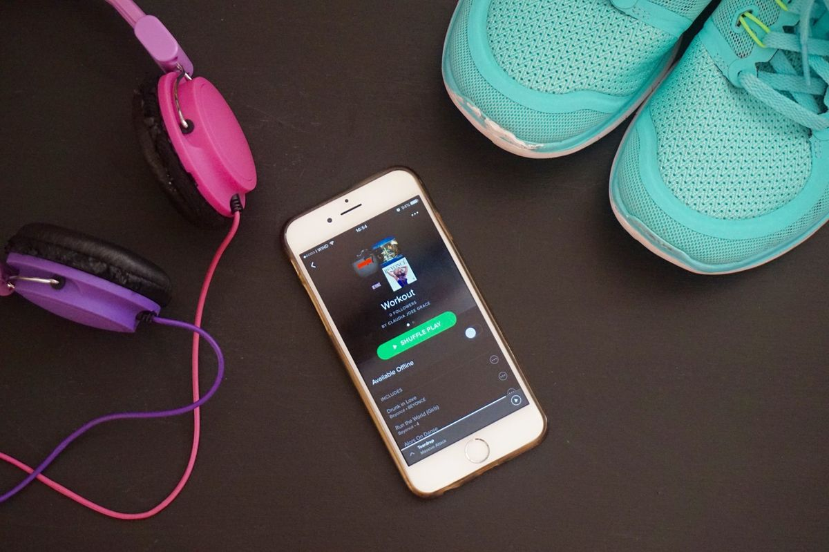 40 Country Songs You Need To Add To Your Workout Playlist