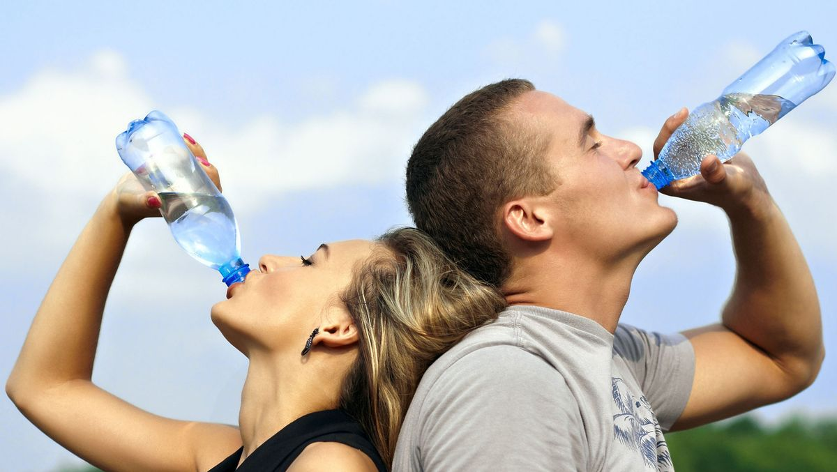 Why You NEED To Be Using A Reusable Water Bottle