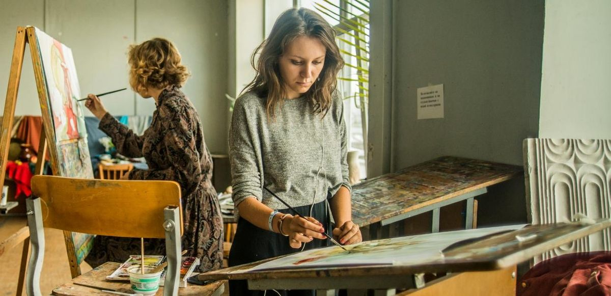 The Pros And Cons Of Being An Art Major